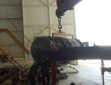 Auxiliando para manutenção de turbina aeronave